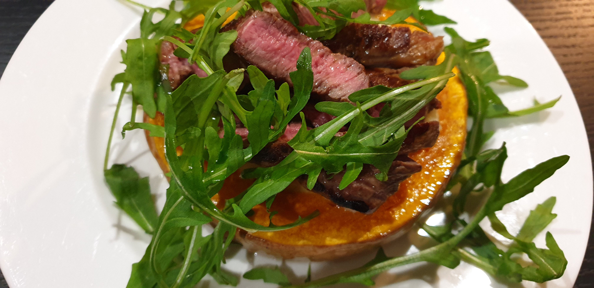 Lamb Fillet Salad on Roast Butternut